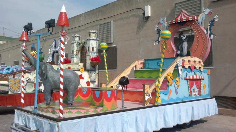 ALQUILER DE CARROZAS www.medirflash.com